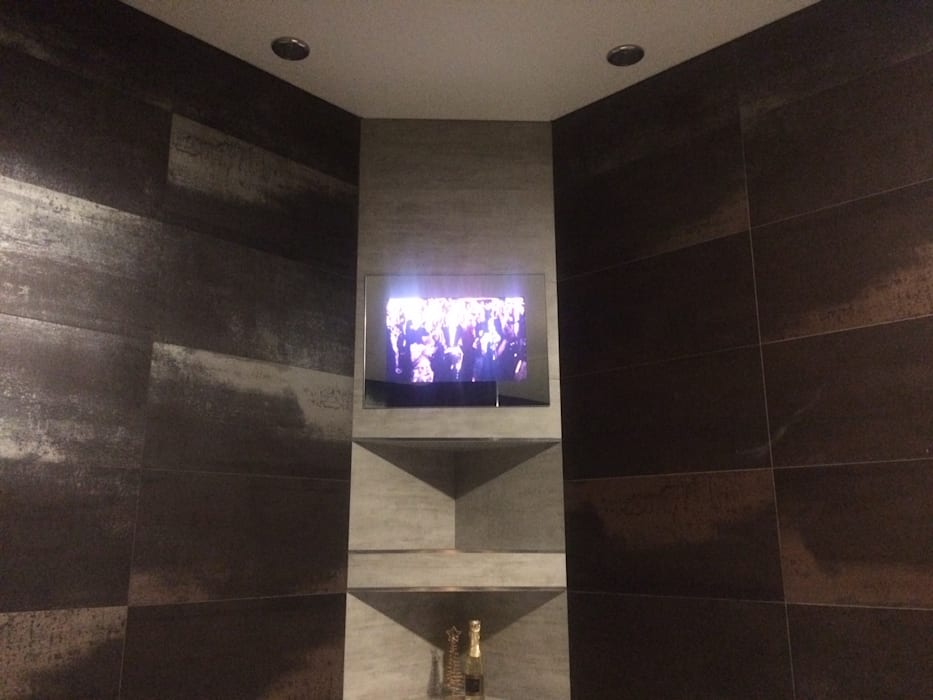 Small 19'' AVEL AVS190FS waterprooof tv AVEL BathroomDecoration Black