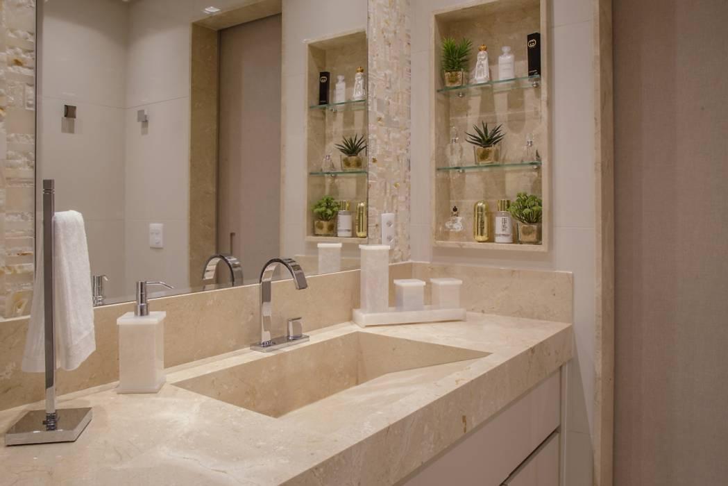 Banheiro Master: Banheiros  por Carolina Fontes Arquitetura