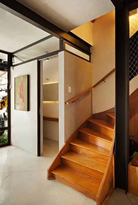 Hành lang, sảnh & cầu thang phong cách hiện đại bởi ODVO Arquitetura e Urbanismo Hiện đại