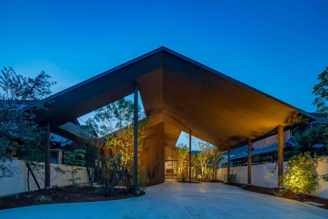外観 夜景 モダンな 家 の 武藤圭太郎建築設計事務所 モダン