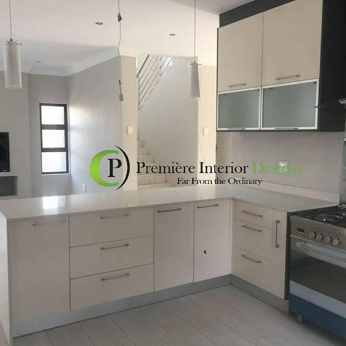 Built-in kitchens by Première Interior Designs, Modern