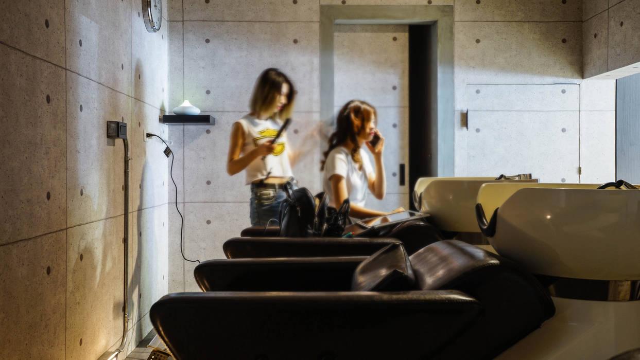 洗髮區:  商業空間 by 見和空間設計