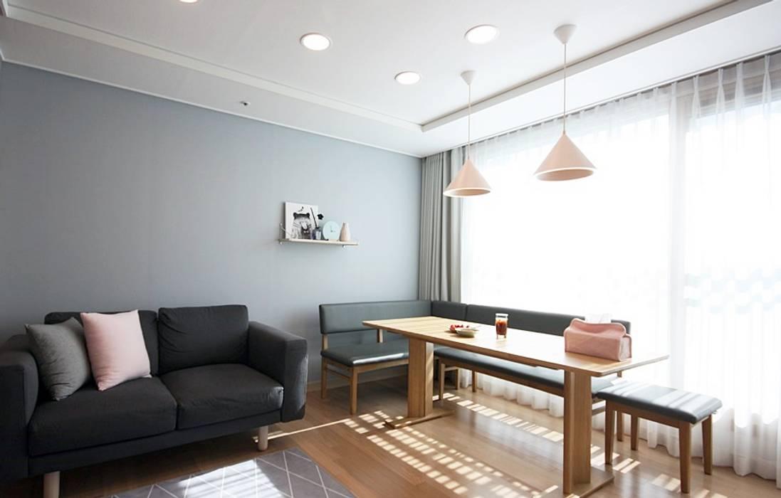 Living room by homelatte,