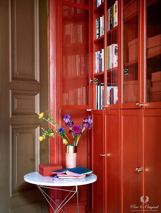 Werkkamer met Traditional Paint lak op waterbasis in de kleuren Brown-Red en Praline:  Studeerkamer/kantoor door Pure & Original, Modern