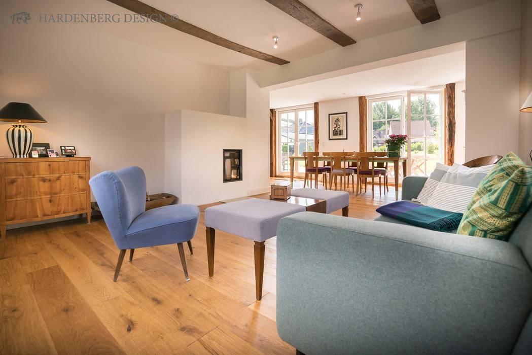 Massivhozdiele Eiche Hardenberg Classic - Natur geölt: landhausstil Wohnzimmer von Hardenberg Design GmbH