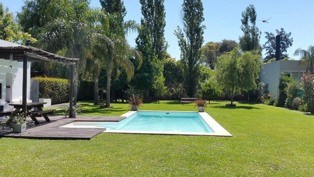 Casa Soljan Piletas mediterráneas de Estudio Victoria Suriguez Mediterráneo