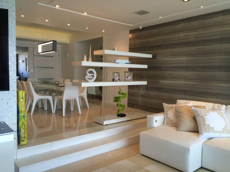 APT.13 - TORRE ANGELINI Salas de estilo minimalista de Complementos C.A. Minimalista