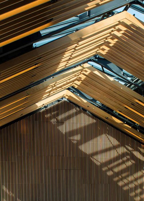 RUSTICASA | Multi Home Experience | Les Alluets-le-Roi por RUSTICASA Moderno Madeira Acabamento em madeira