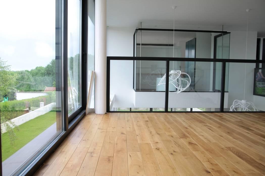 Modern corridor, hallway & stairs by Rusticasa Modern Wood Wood effect