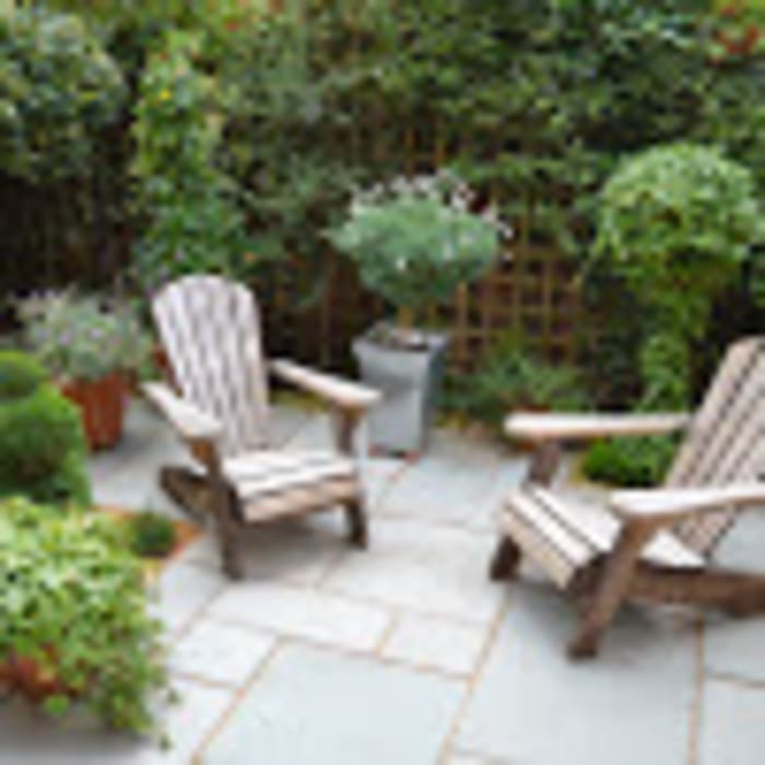 Courtyard garden:  Front yard by 1 to one garden design, Eclectic