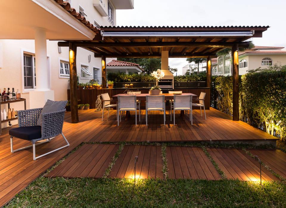 branco arquitetura Balkon, Beranda & Teras Tropis