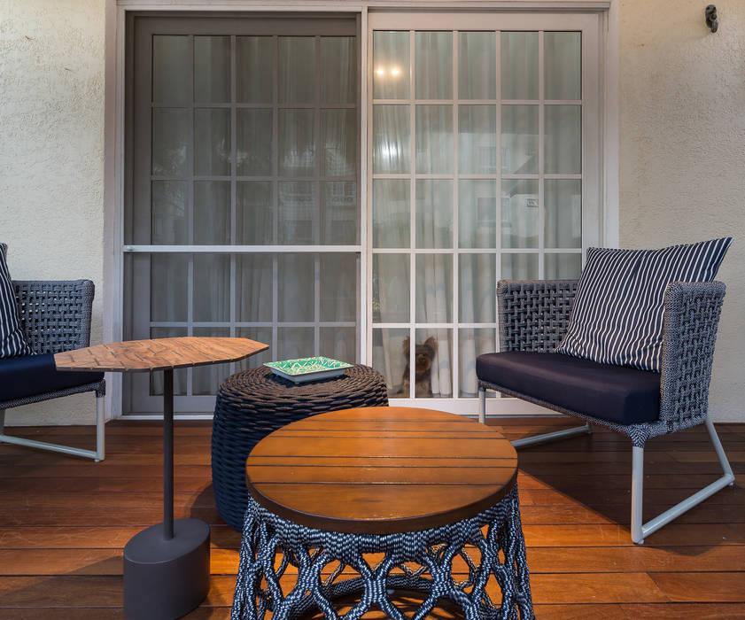 Espaço Gourmet – Antes e Depois Tropischer Balkon, Veranda & Terrasse von branco arquitetura Tropisch