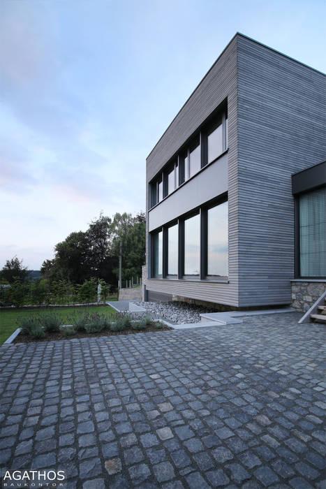 Sanierung und Umbau eines alten Hofgebäudes:  Häuser von Architekturbüro Sutmann
