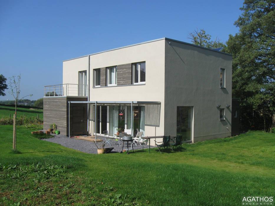 Passivhaus in Raeren/ Belgien:  Häuser von Architekturbüro Sutmann