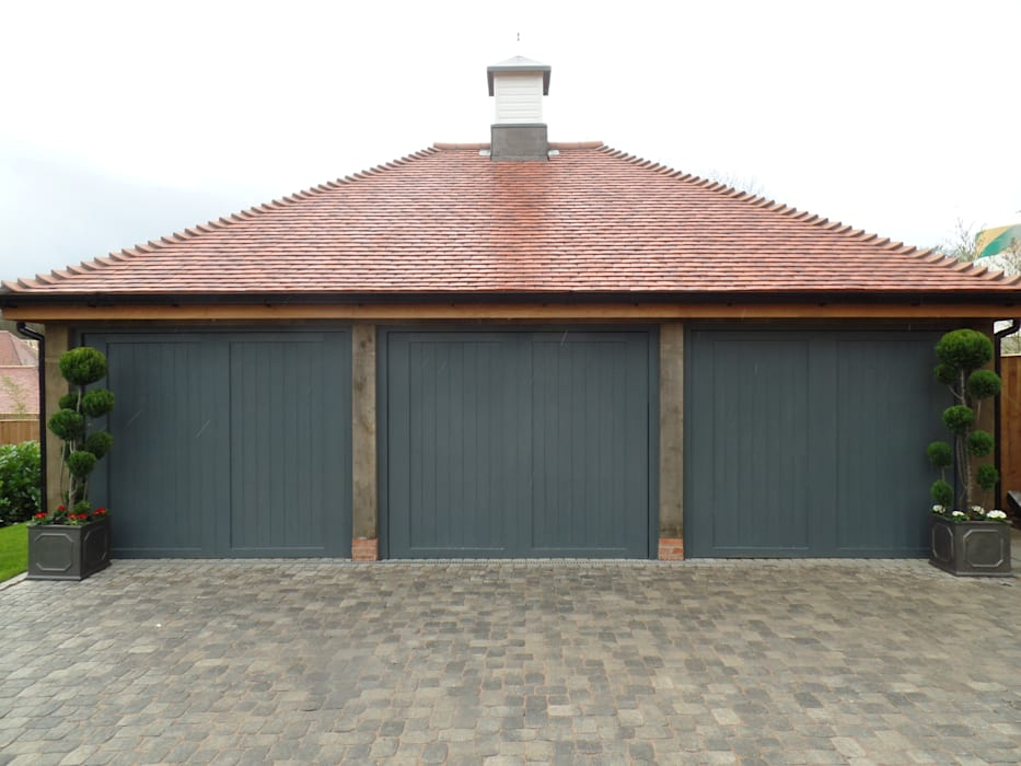 Garage Doors Wessex Garage Doors Гараж/сарай