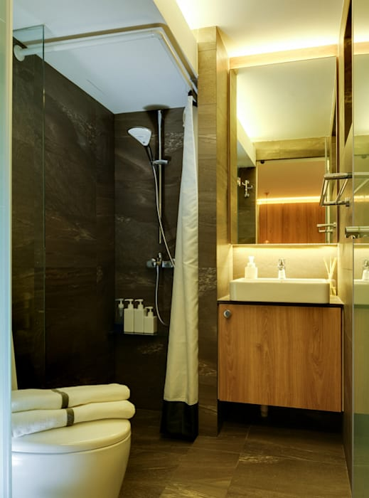 Design & Build Project: Resale HDB Apt @ Serangoon Ave 3:  Bathroom by erstudio Pte Ltd,