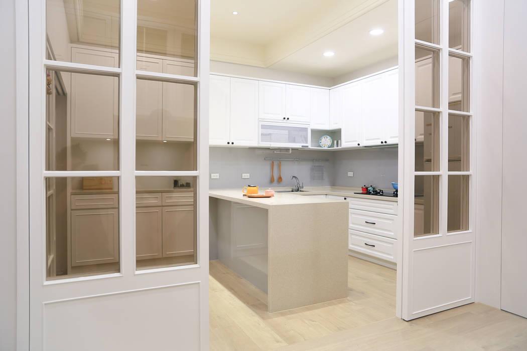 水木空間設計:  系統廚具 by 水木空間設計