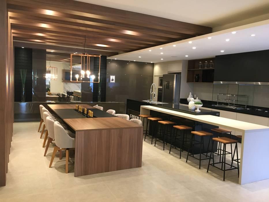 Espaço Gourmet : Cozinhas  por Jacqueline Fumagalli Arquitetura & Design,