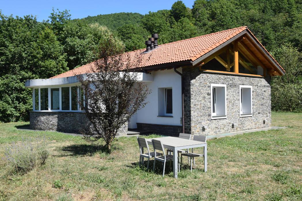 Case Di Legno E Mattoni : Tetto in legno pietra e mattoni a vista casa unifamiliare in