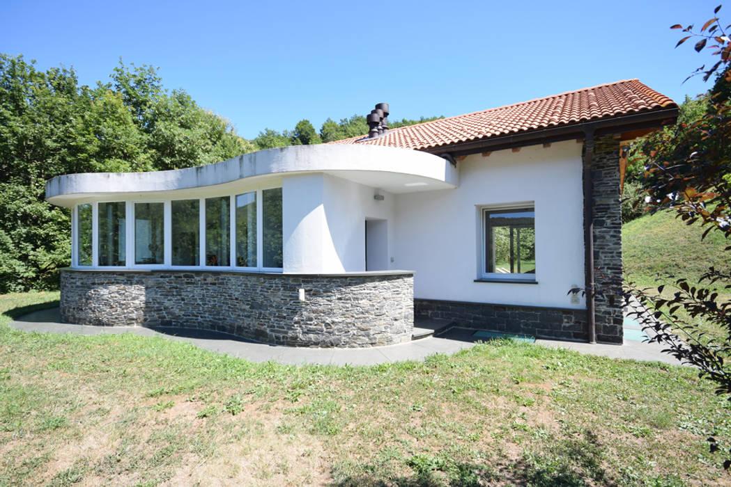 Tetto in legno pietra e mattoni a vista casa for Case in legno puglia