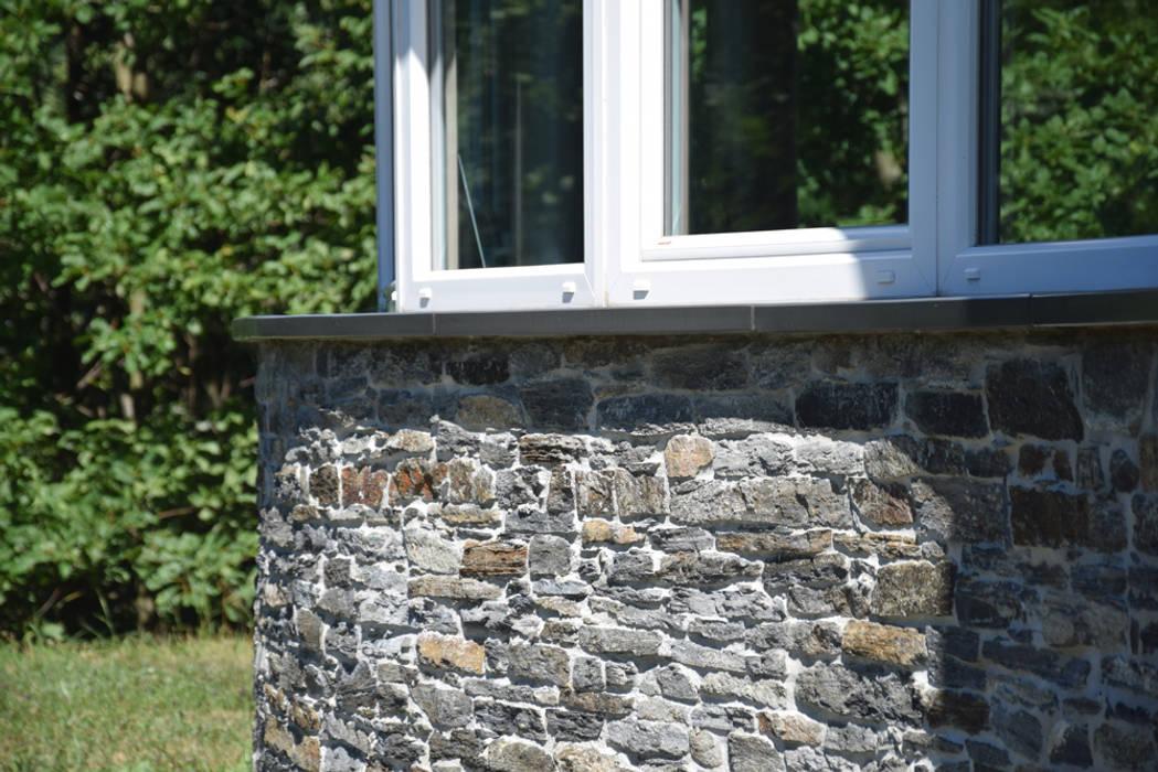 Case Di Legno E Mattoni : Tetto in legno pietra e mattoni a vista case in stile di