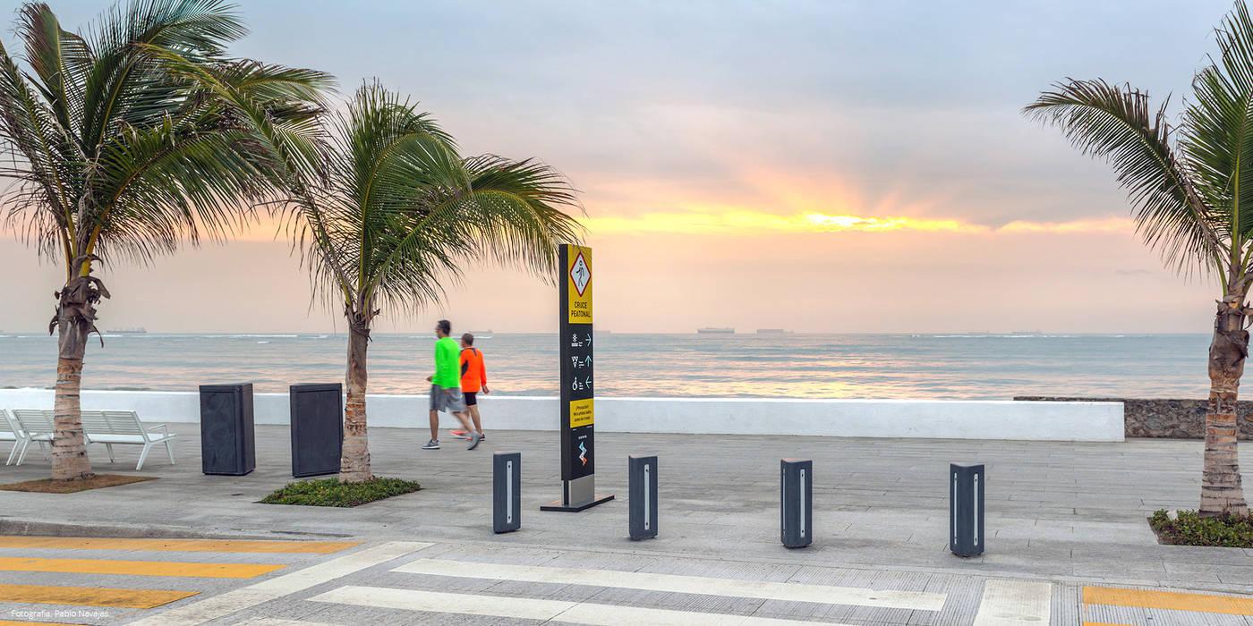 Boca de Rio: Espacios comerciales de estilo  por Ariel Rojo Design Studio