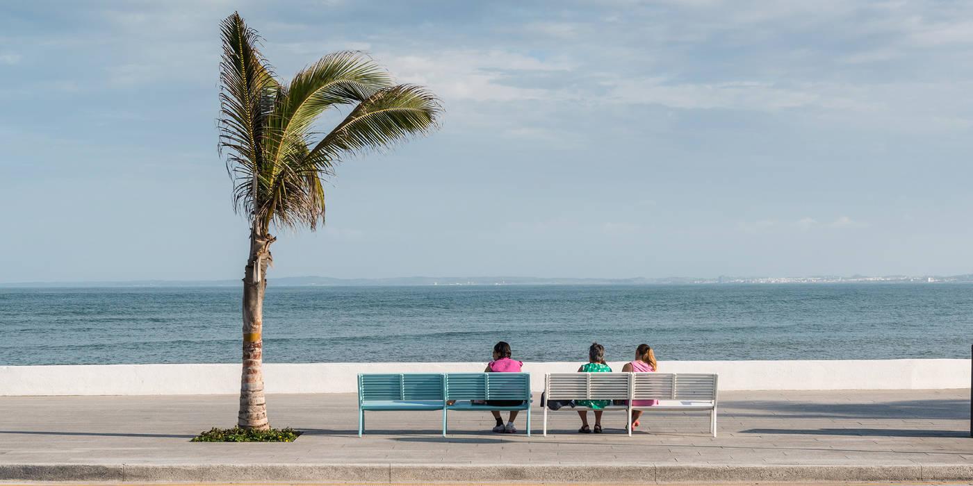 Boca del Rio Veracruz: Espacios comerciales de estilo  por Ariel Rojo Design Studio