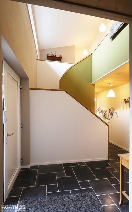 Corridor & hallway by Architekturbüro Sutmann, Modern
