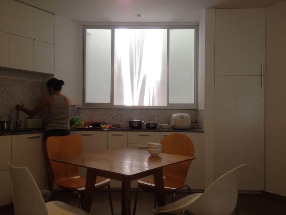DUY HOUSE:  Cửa sổ by NBD ARCHITECTS, Hiện đại