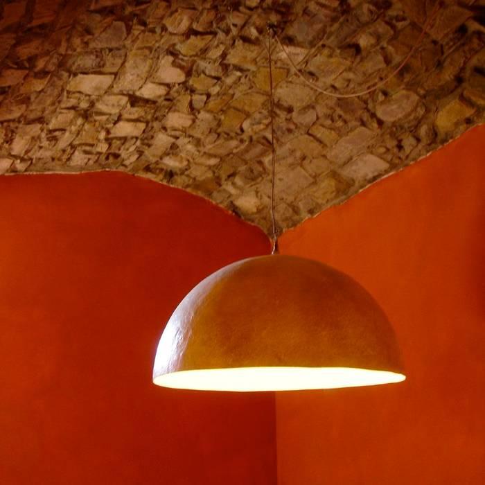 Casa in Val d'Intelvi: Sala da pranzo in stile  di Pini&Sträuli Architects
