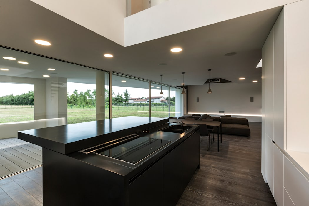 Casa LB: Cucina in stile in stile Moderno di Elia Falaschi Photographer