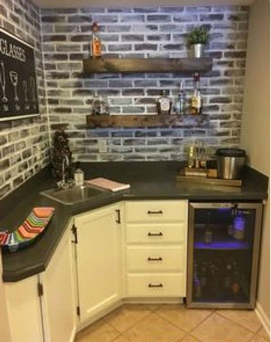 Corner Kitchen:  Kitchen by Nozipho Construction