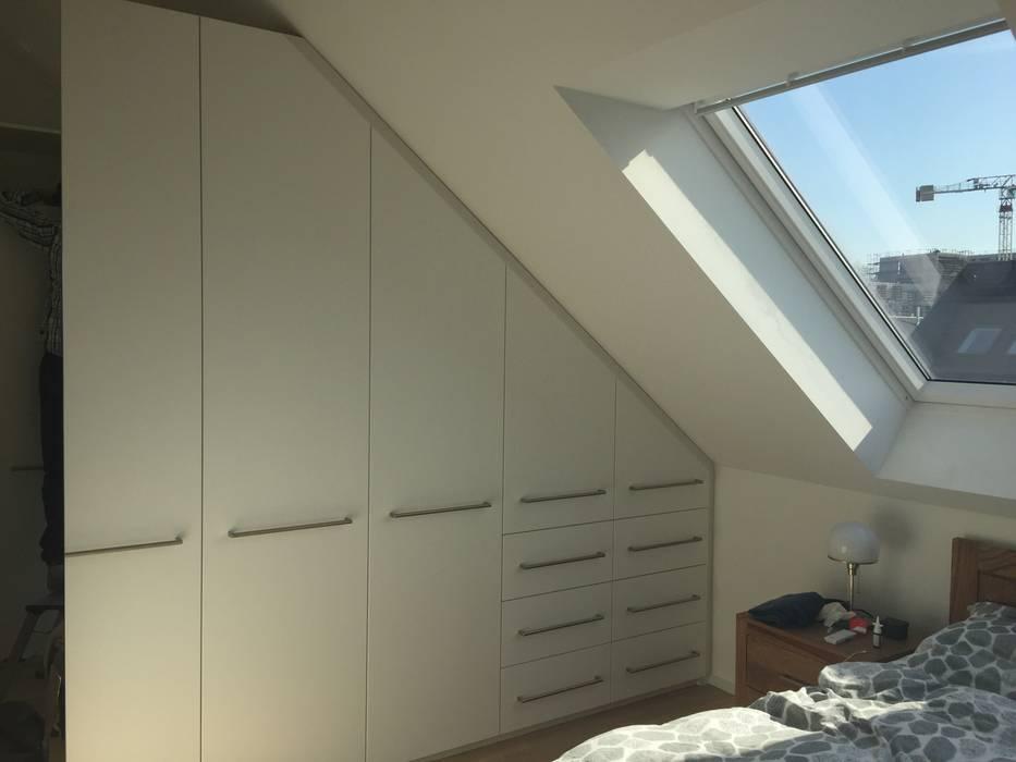 einbauschrank in dachschräge mit drehtüren weiß matt