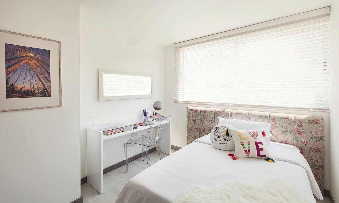 Habitacion adoscente: Habitaciones de estilo  por Maria Mentira Studio