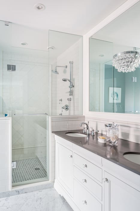 Master Ensuite Classic style bathroom by Frahm Interiors Classic