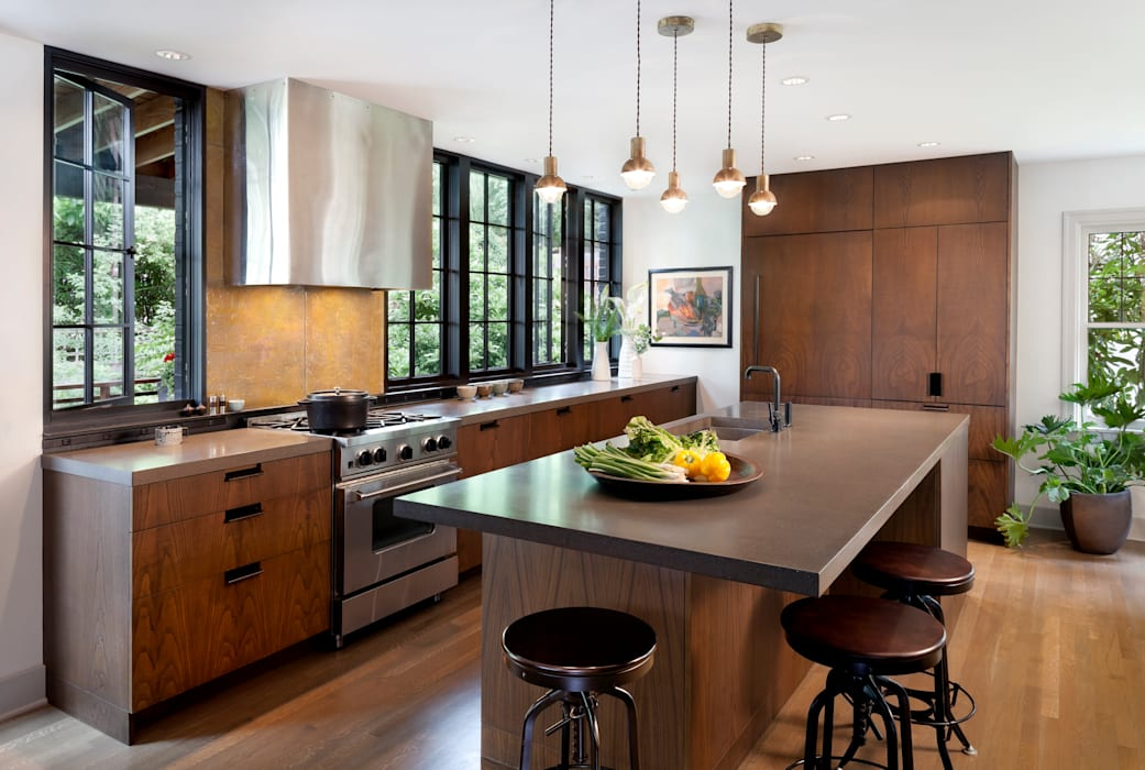 Brick House Transformed:  Kitchen by Rerucha Studio, Classic
