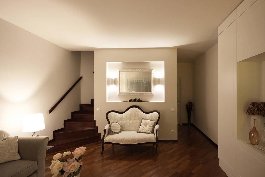Soggiorno classico contemporaneo a torino: soggiorno in stile di jfd ...