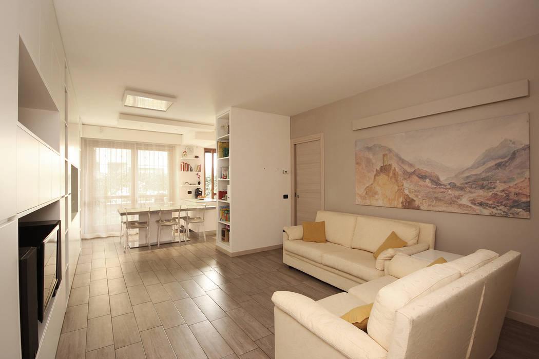 Soggiorno moderno in una villetta in brianza ingresso for Immagini soggiorno moderno