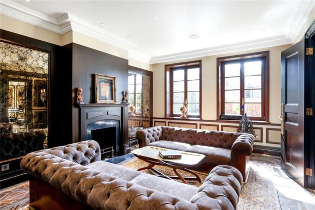 classic Living room by Alguacil & Perkoff Ltd.