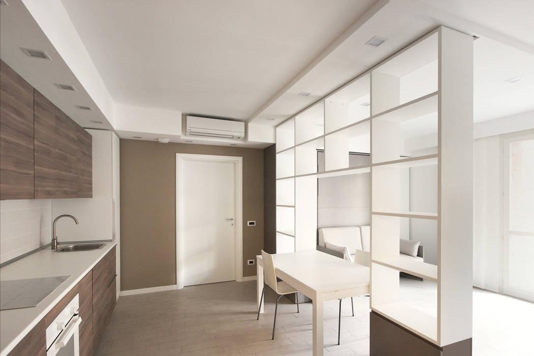 Arredamento di design per un monolocale a milano ingresso for Outlet arredamento design milano