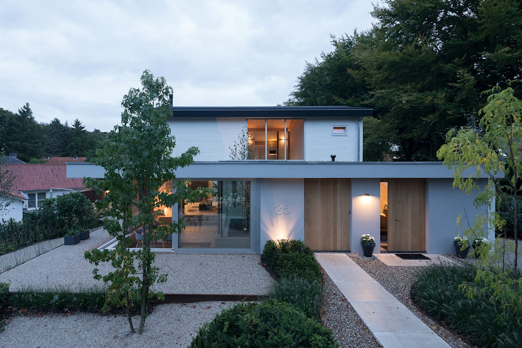 Front doors by Bloot Architecture
