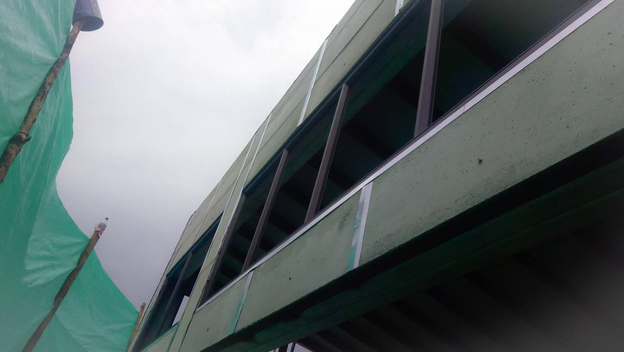 En Obra de RR Arquitecto Moderno Concreto