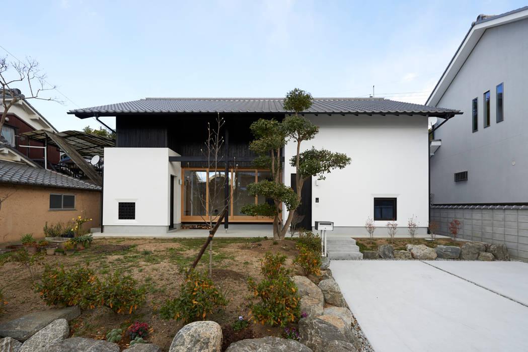 明日香の家 モダンな 家 の アトリエモノゴト 一級建築士事務所 モダン