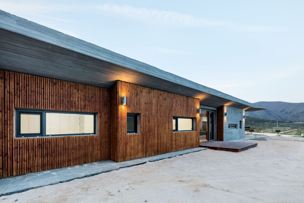 애플팜 하우스(Apple Farm House): 투엠투건축사사무소의  주택