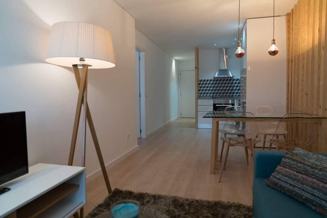 Detalhe: Casa  por Alma Braguesa Furniture ,