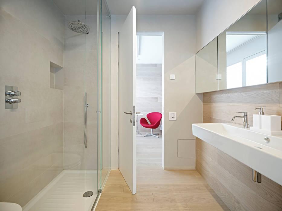 edificio unifamiliare BL: Bagno in stile  di Burnazzi  Feltrin  Architects, Minimalista
