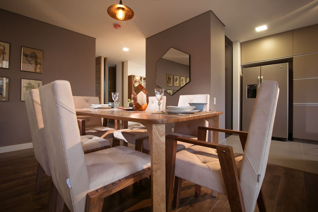 Eclectic style dining room by Munera y Molina Eclectic