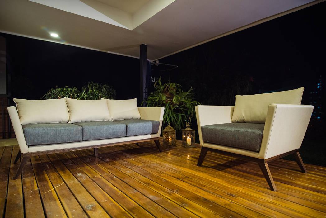 ALTOS DE LA RIOJA Balcones y terrazas de estilo ecléctico de Munera y Molina Ecléctico