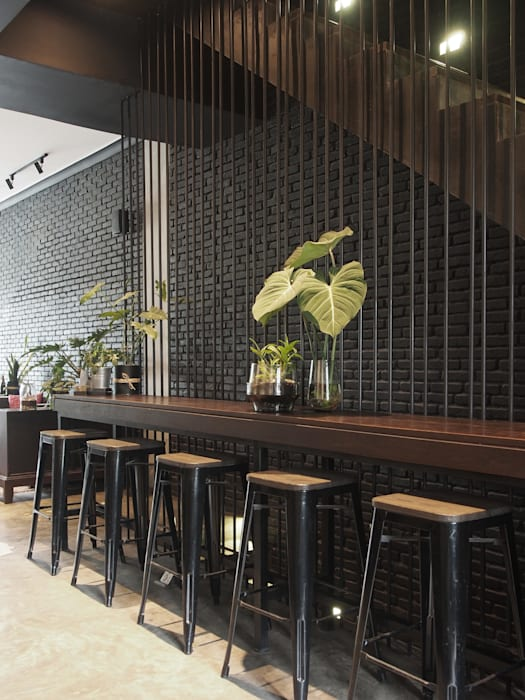 Bar stool Gastronomi Gaya Industrial Oleh Spasi Architects Industrial Besi/Baja