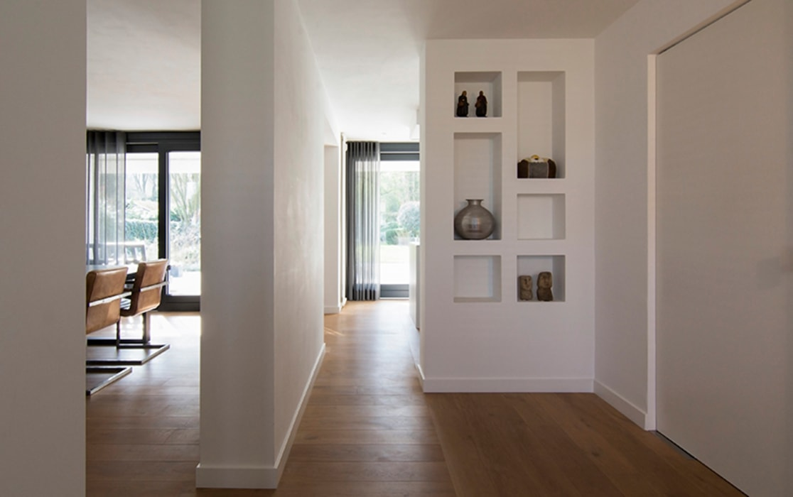 Living room by SVDK interieurarchitecte(n), Modern